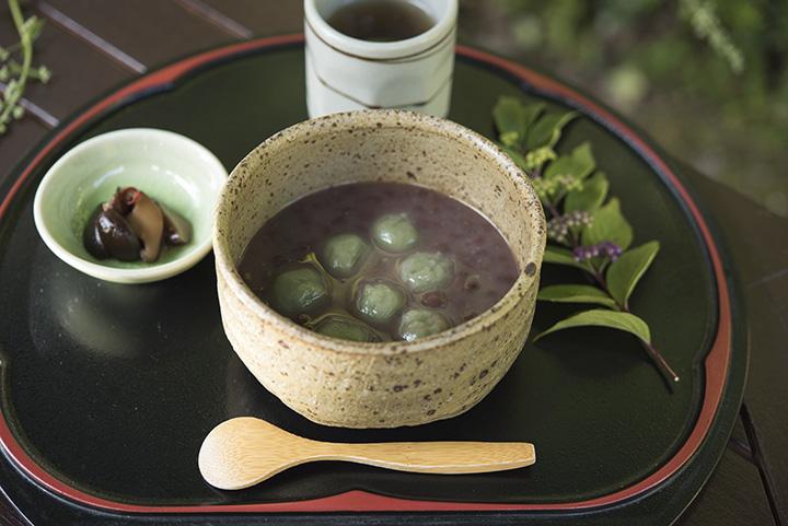「よもぎ白玉ぜんざい」(丹波黒豆茶付き)790円(税別)