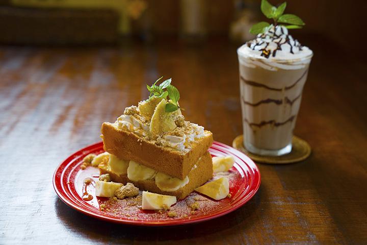 「ふわふわシフォンのケーキ」ドリンク付き850円、「アイスショコラ」は+250円