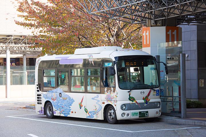 地元の方がよく利用するコミュニティバス「金沢ふらっとバス」
