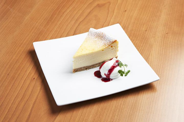 定番の人気商品「チーズケーキ」670円