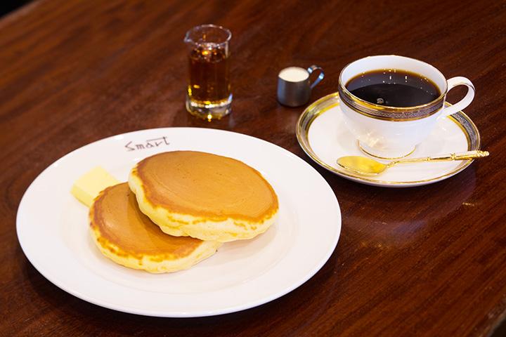 創業当時から変わらぬ味のホットケーキとコーヒーのセット950円