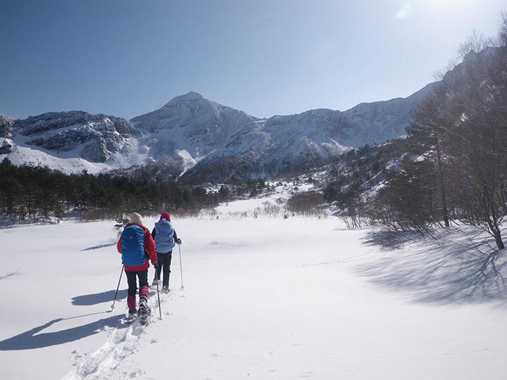 プライベート感たっぷりの雪山を散策できる「一日プログラム」(所要約4時間30分