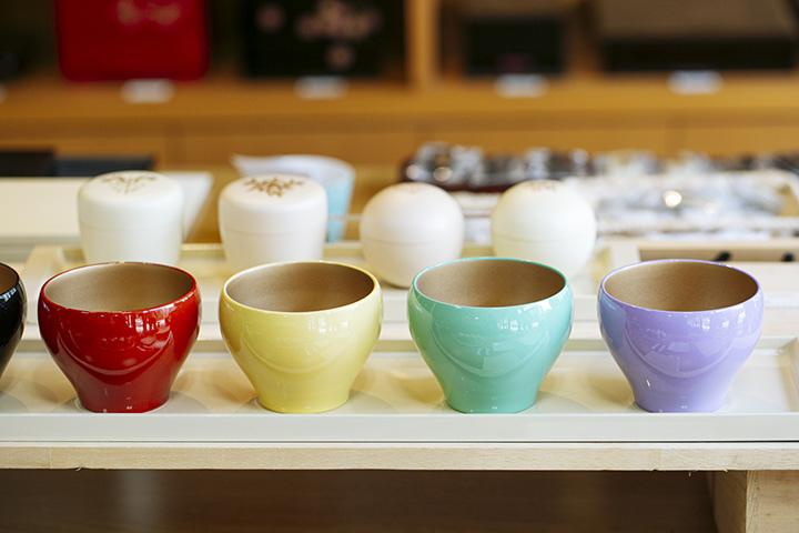 カジュアルに使える「デザートカップ」(直径9cm×高さ7cm)。1個3,300円