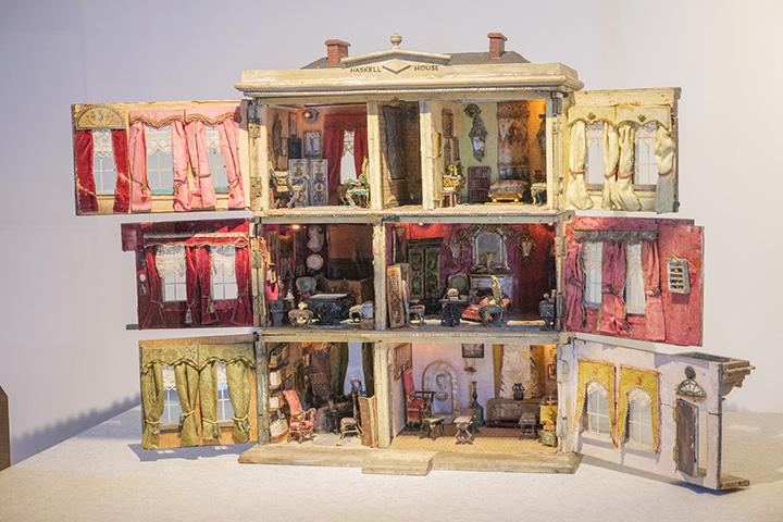 ドールハウスの本場イギリスで高く評価されている作品「ハスケルハウス」