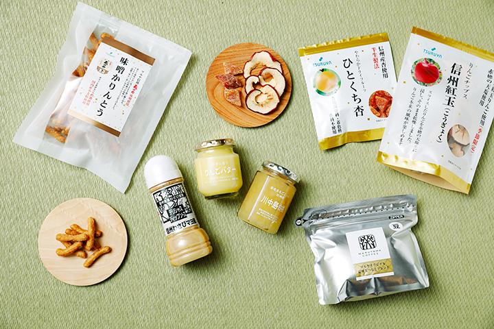 「りんごバター」と「川中島白桃」(中央)はトーストやヨーグルトに。信州産食材の生ドレッシングも種類豊富