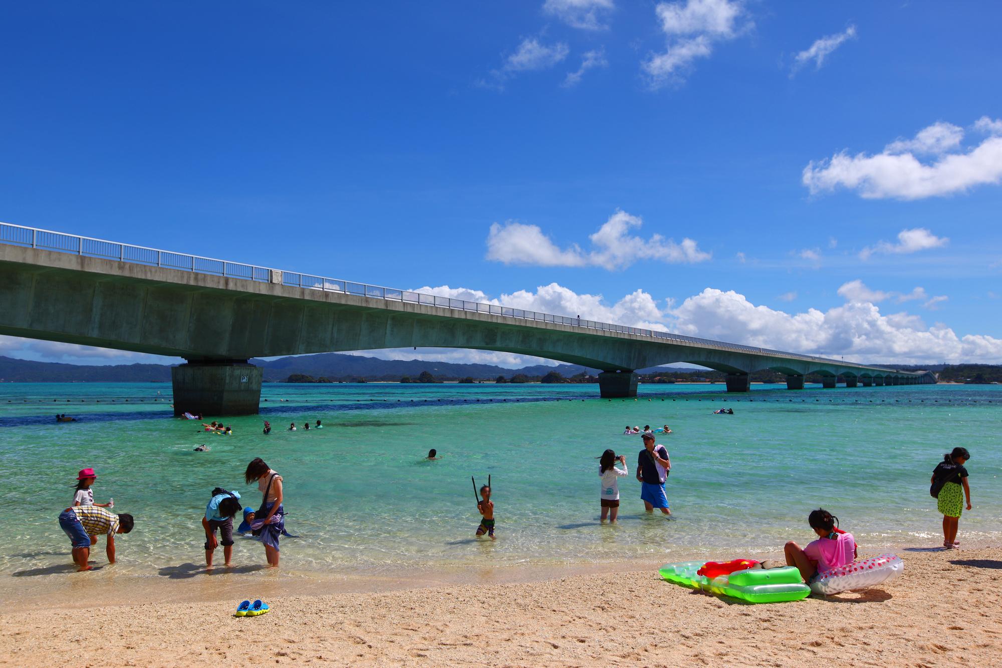 全長3540m古宇利(こうり)大橋と古宇利島のビーチ