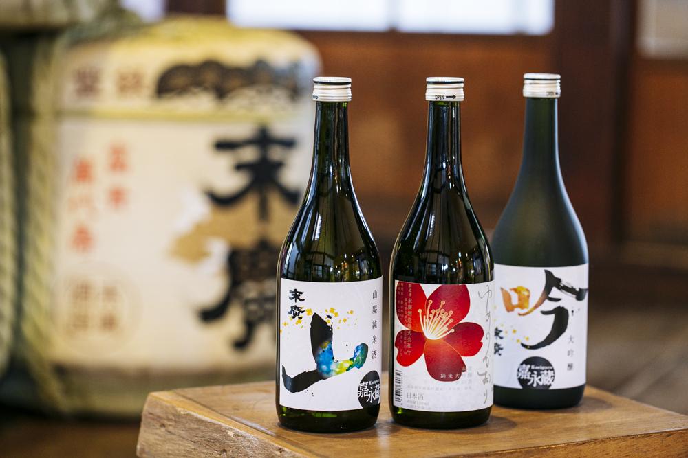 左から、「嘉永蔵山廃純米酒(720ml)」2,000円、純米大吟醸「ゆめのかおり(720ml)」2,241円、「嘉永蔵 大吟醸(720ml)」3,600円