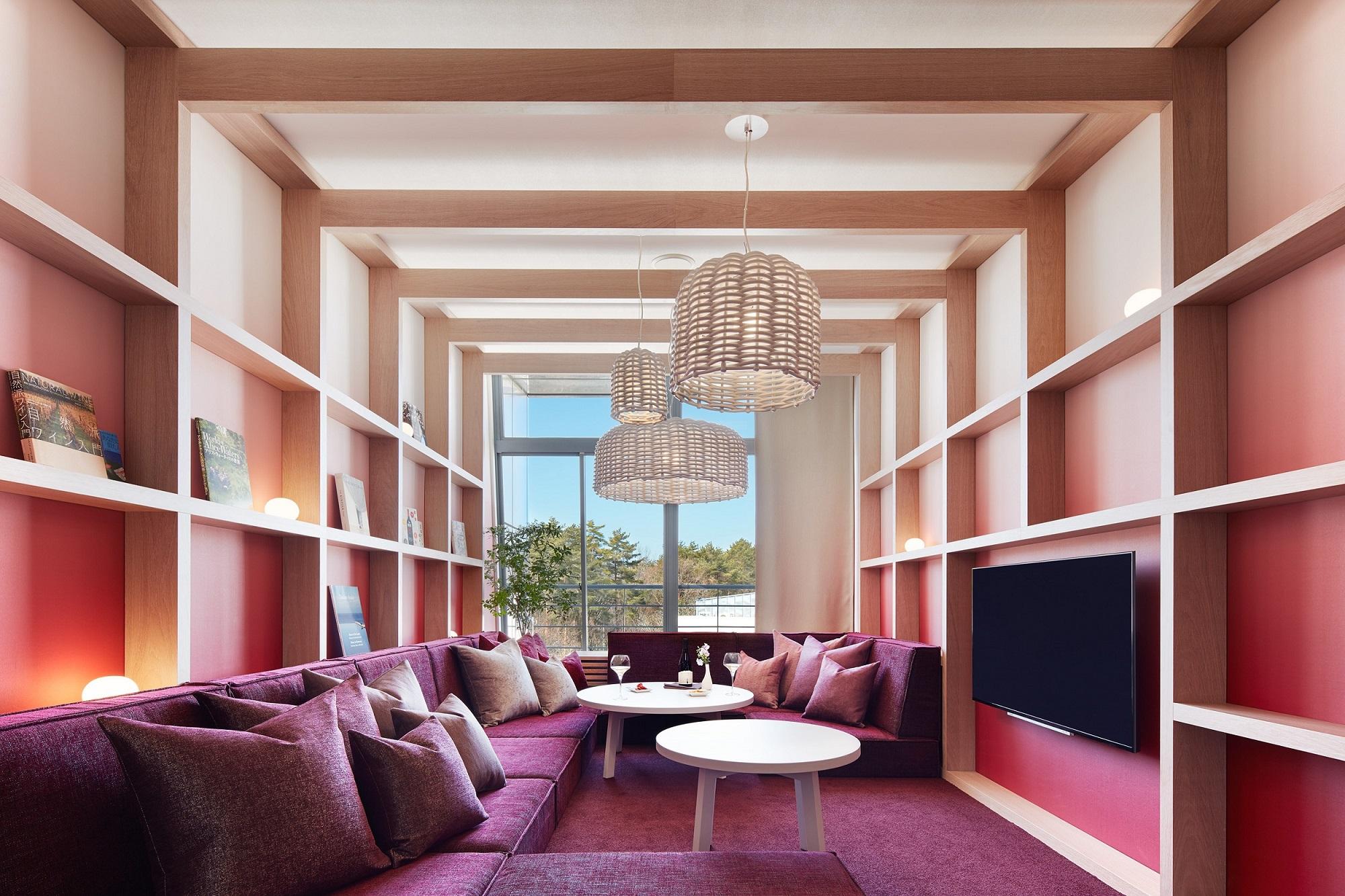 八ヶ岳の自然とワインリゾートを表現した客室
