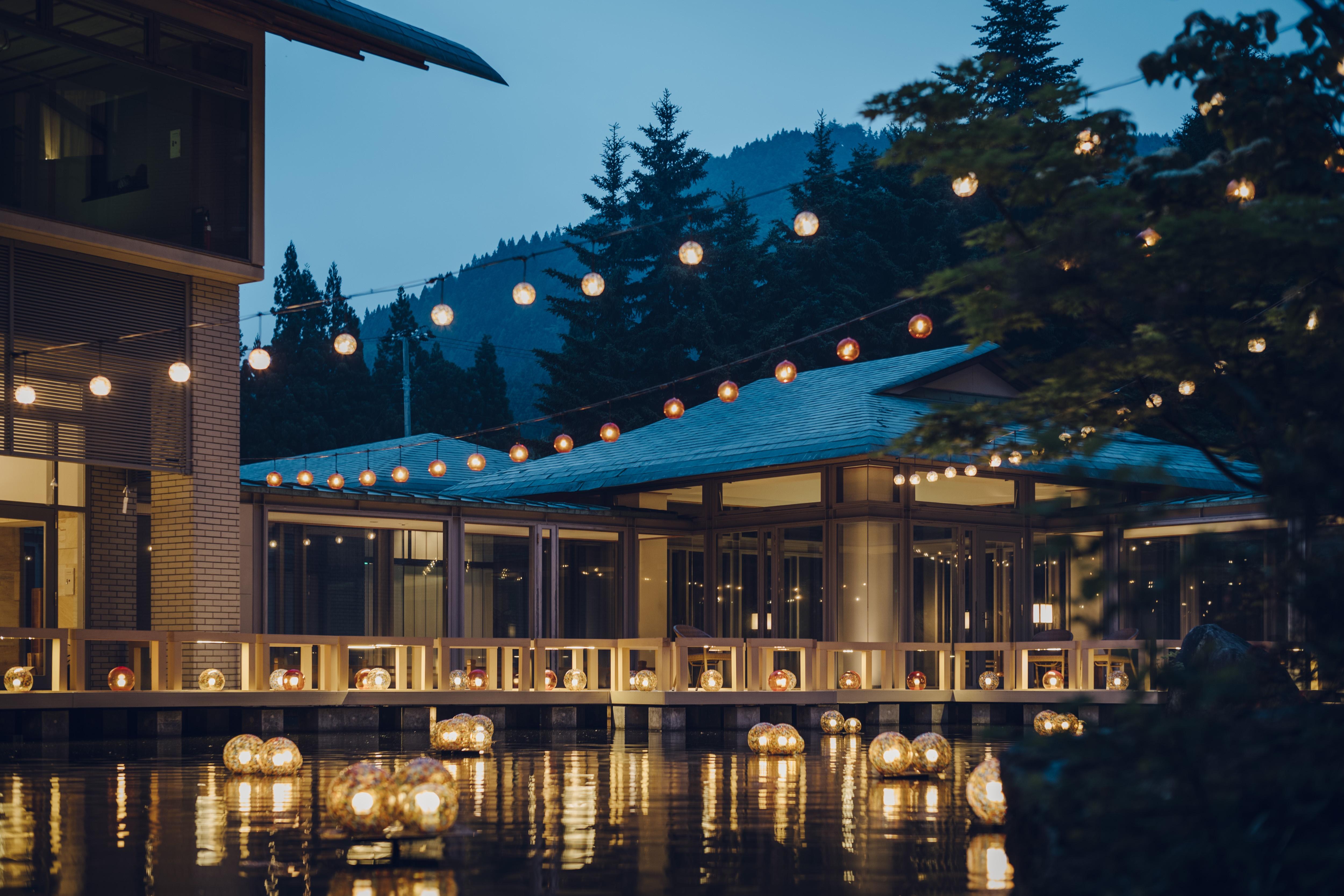 津軽四季の水庭では、津軽の伝統工芸に振れながら、湯涼みのひとときを過ごすことができる