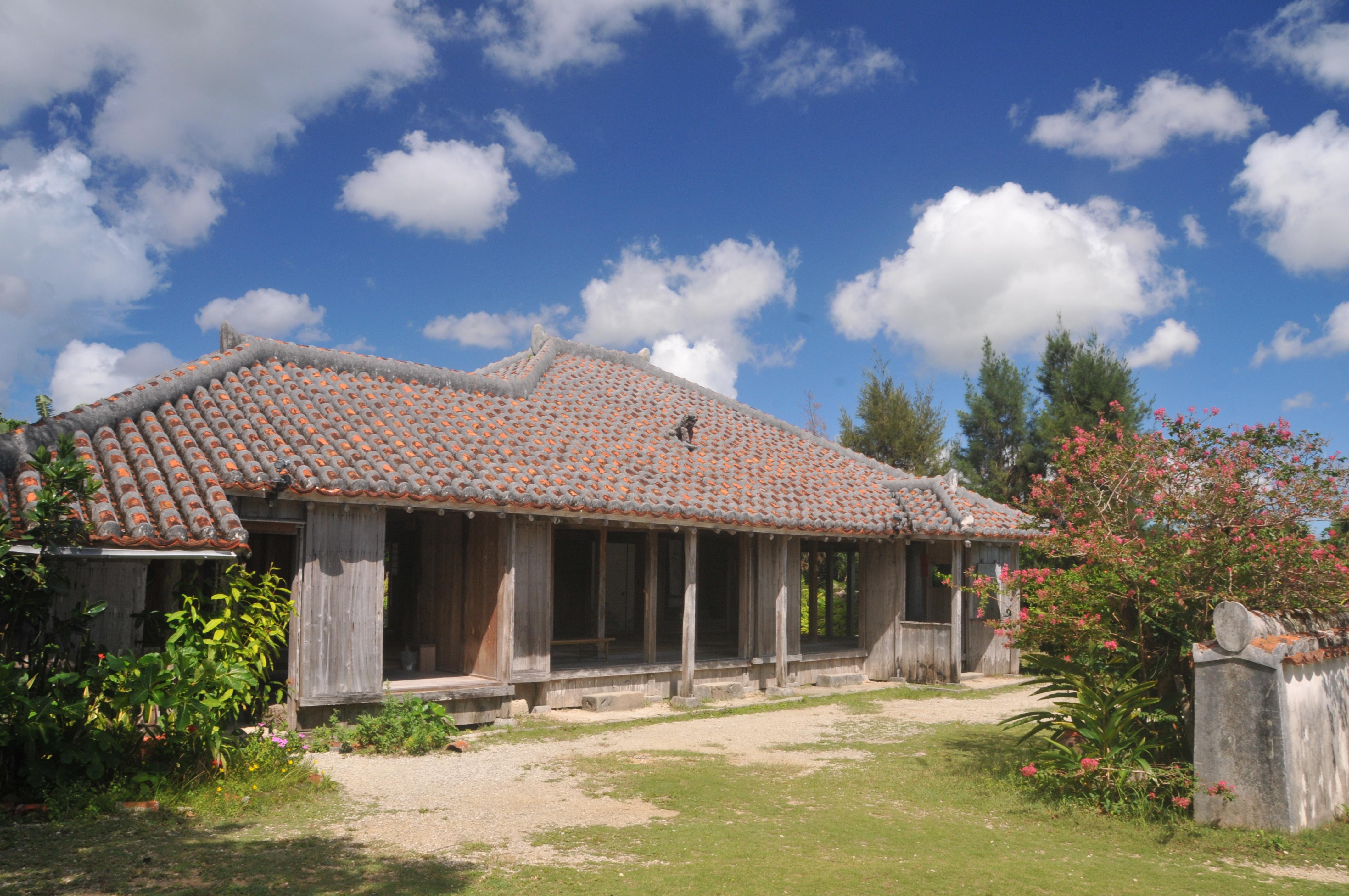 1900(明治32)年に建てられた旧士族の屋敷・森田邸をはじめ、八重山の歴史を語る貴重な古民家は必見