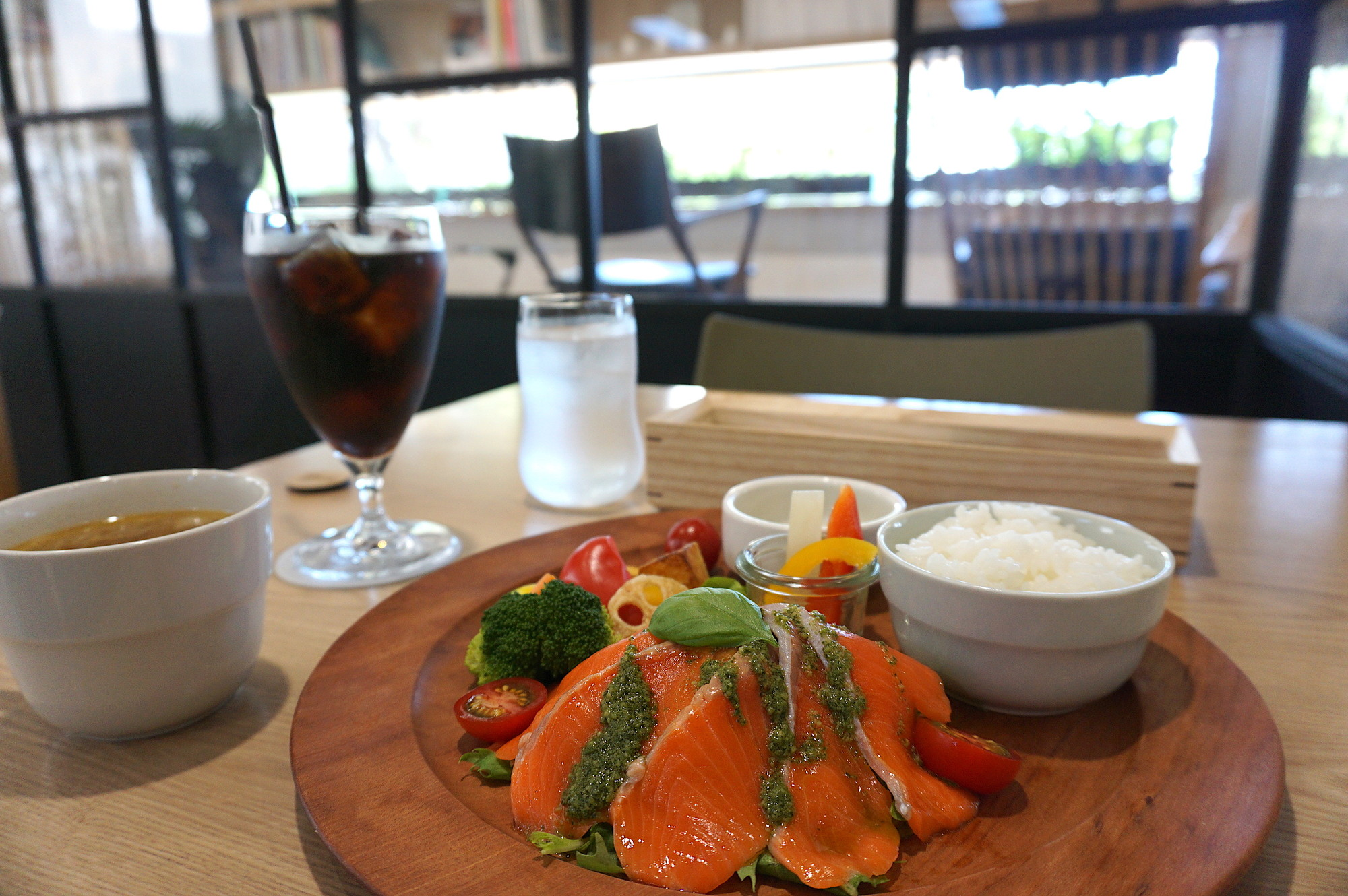 palemta cafe&dining(パレンタ・カフェ&ダイニング)。日替わりメニューは地元野菜たっぷり