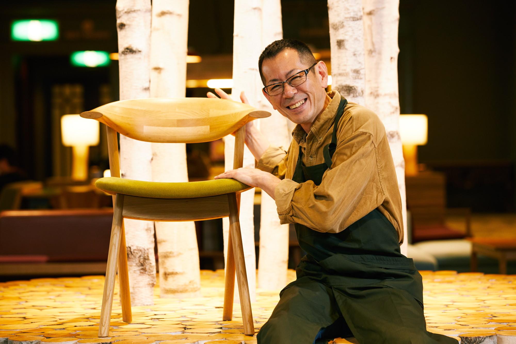 アートイベントではOMOベースに家具職人を招いての解説「本日の一脚」も。写真の椅子は『yamanami(やまなみ)』