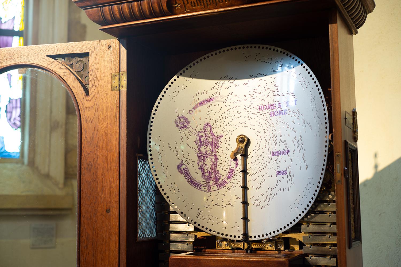 1800年代のドイツポリフォン社製アンティークオルゴールの音色を楽しめる
