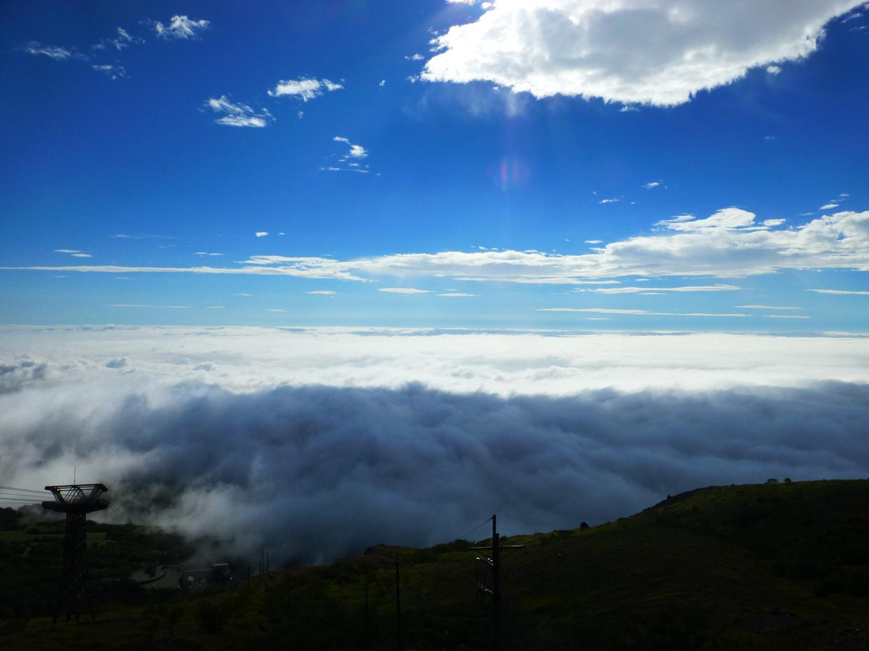 「山頂駅」から望む那須連山にかかる雲海