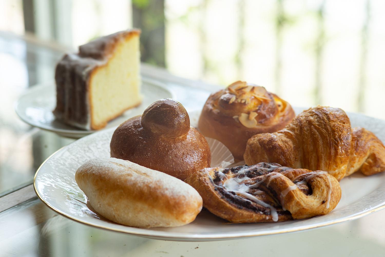 素材そのものを生かしたパンやケーキはシンプルながらも深い味わい