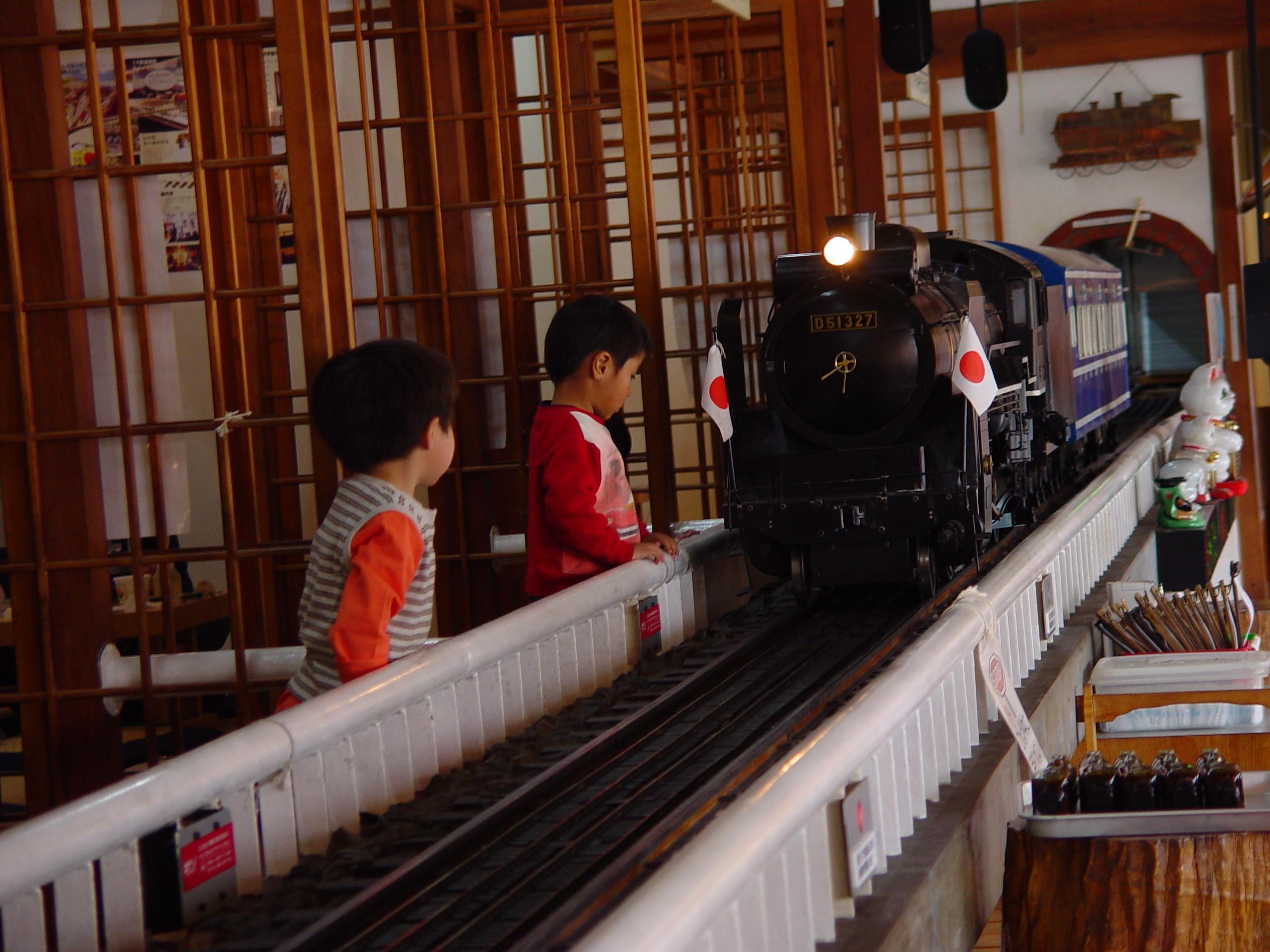 レストラン蒸氣汽関車テーマパークミュージアム