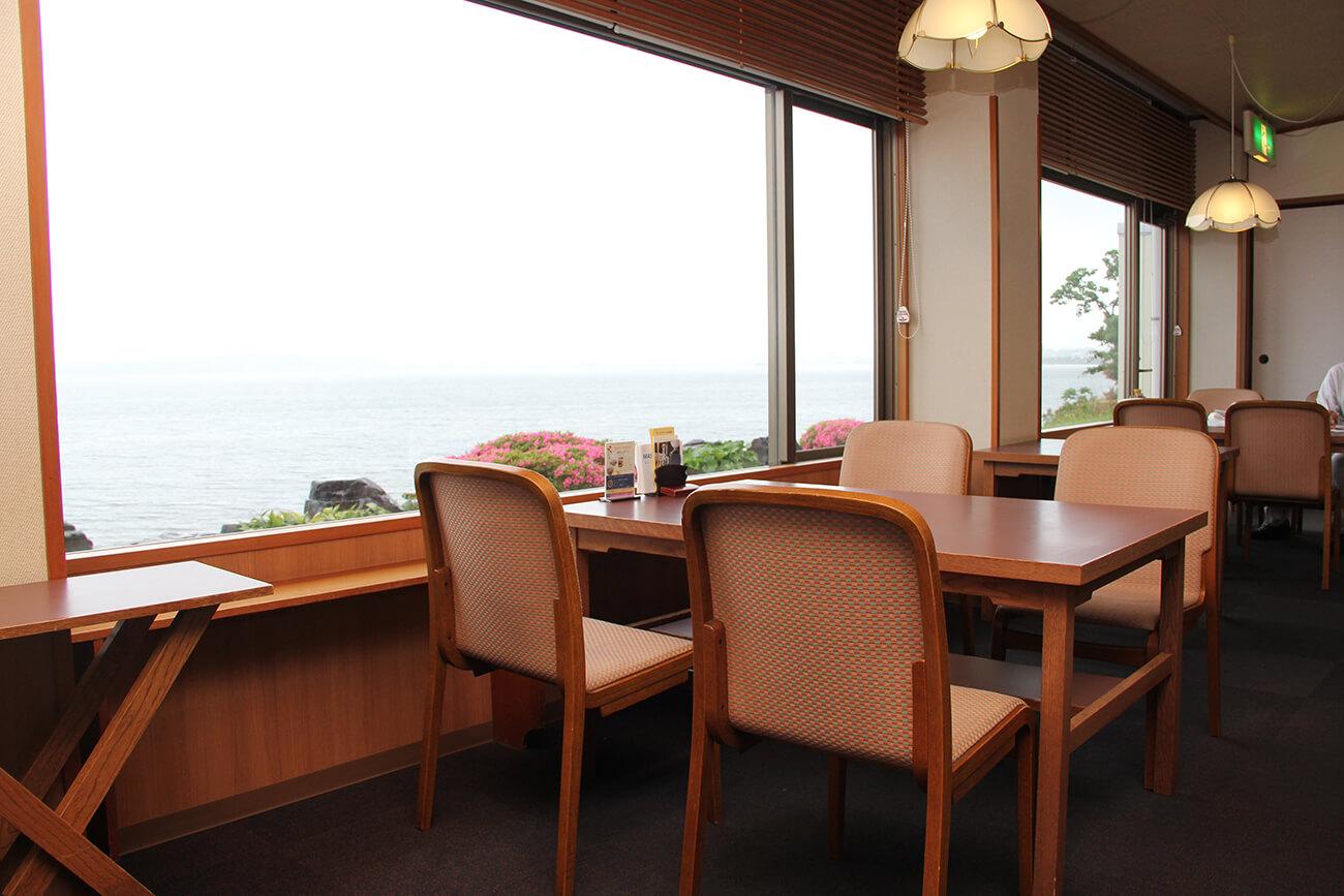 天気の良い日にはサンセットを拝むこともできる。宍道湖の夕日は「日本夕陽百選」にも選ばれている