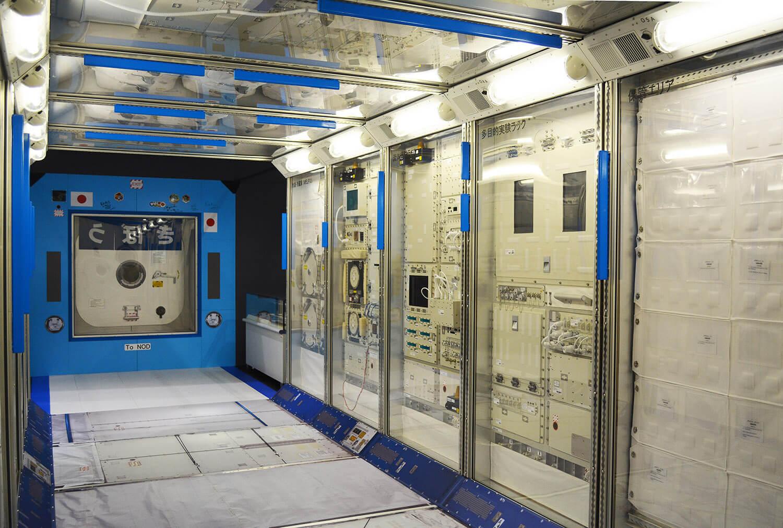 細部までリアルに再現された、国際宇宙ステーション「きぼう」日本実験棟の実物大模型