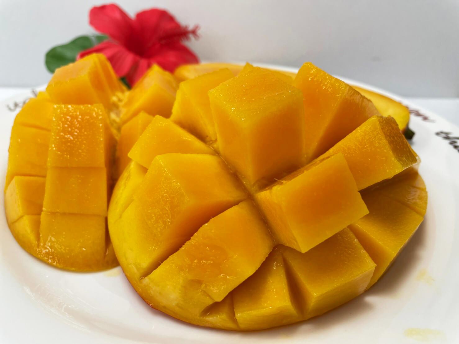 沖縄のマンゴーの旬は6~8月頃。香りが良く、甘くてジューシーなマンゴーは一度食べると忘れられない