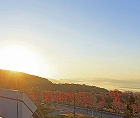 晩秋に広がる天鏡湖の絶景