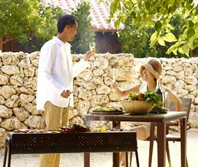 【星のや 竹富島】<br />庭で楽しむディナー