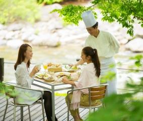 渓流テラスで朝食を~メイプルリーフ~