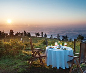 日本一の山を望む、絶景朝食
