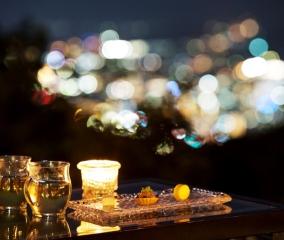 夜景ラウンジでおやすみ前のひとときを
