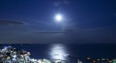 秋の夜長を楽しむ 月を愛でる旅