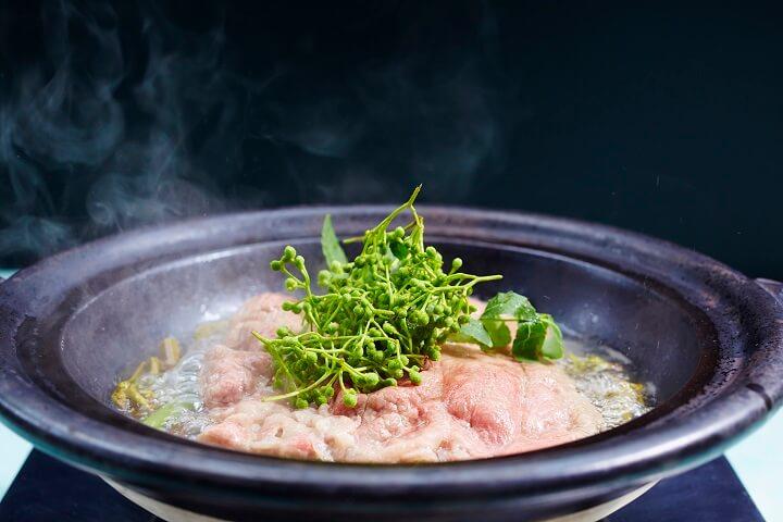 【星のや軽井沢】牛肉の山椒鍋