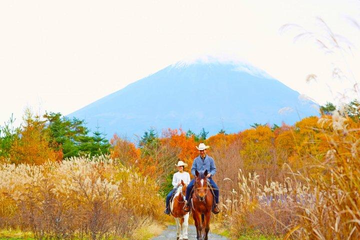 【星のや富士】紅葉富士のホーストレッキング_キラー