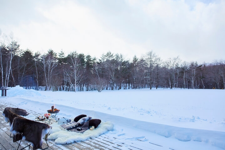 【星のや軽井沢】雪原で寛ぐ(人なし引き) (720x480)