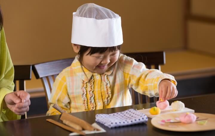 【界伊東】和菓子づくりイメージ