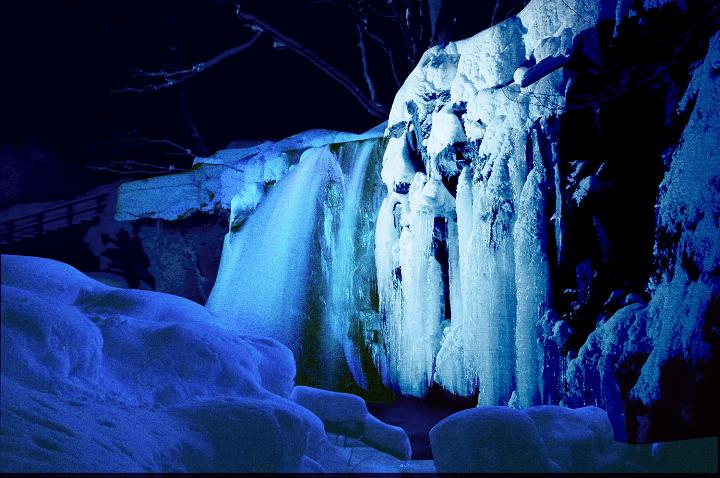 【奥入瀬】氷瀑ライトアップツアー (1)