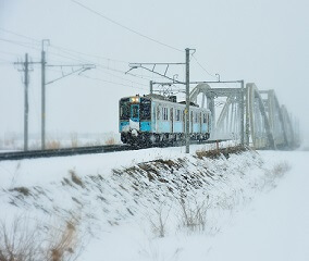 <酒のあで雪見列車>いよいよ運行開始
