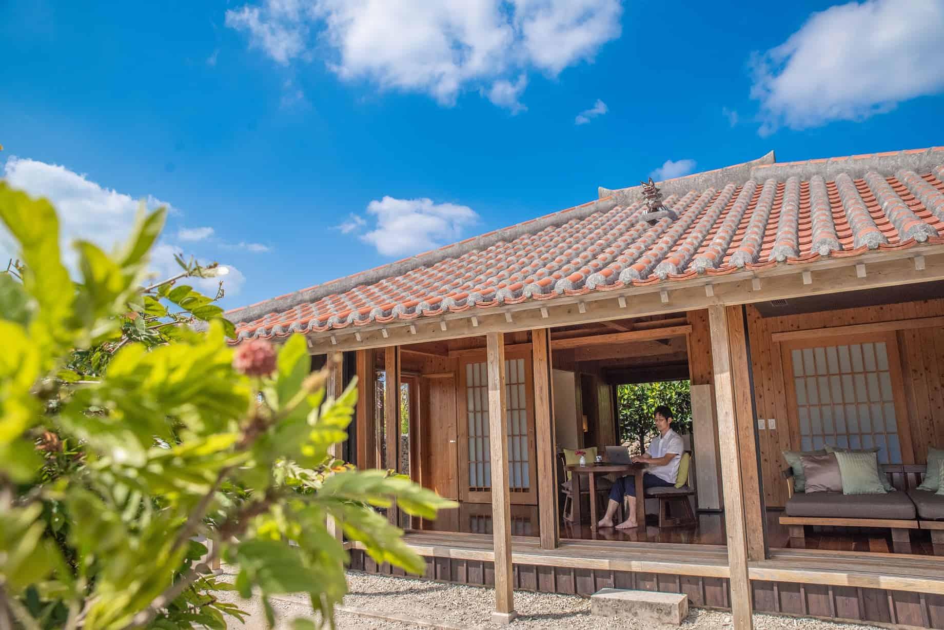 竹富島で暮らすように1カ月滞在する 南風(ぱいかじ)ワーケーション滞在